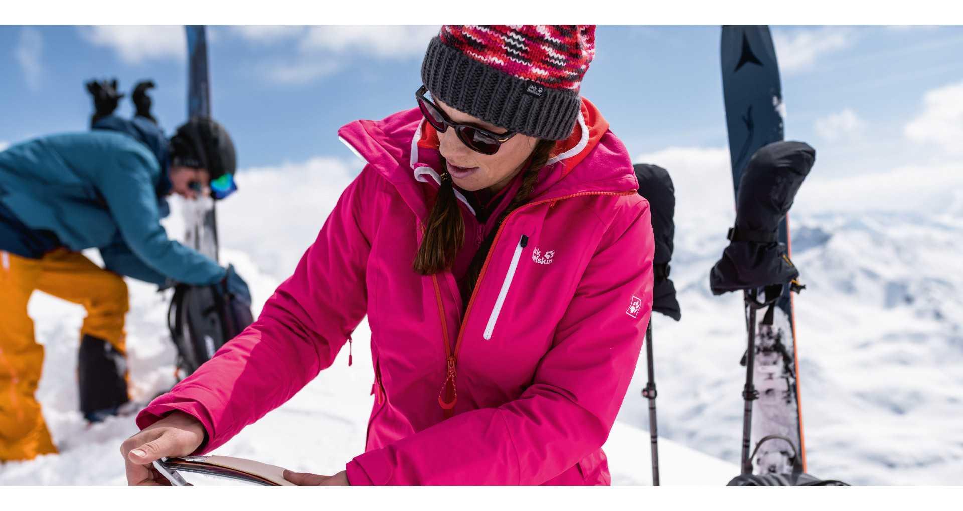 Moteriškos slidinėjimo striukės | ROVANA.LT